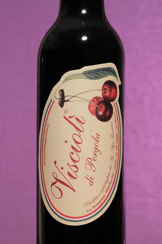 Etichetta del vino di visciole visciolì da 375 millilitri dell'azienda Gentilini