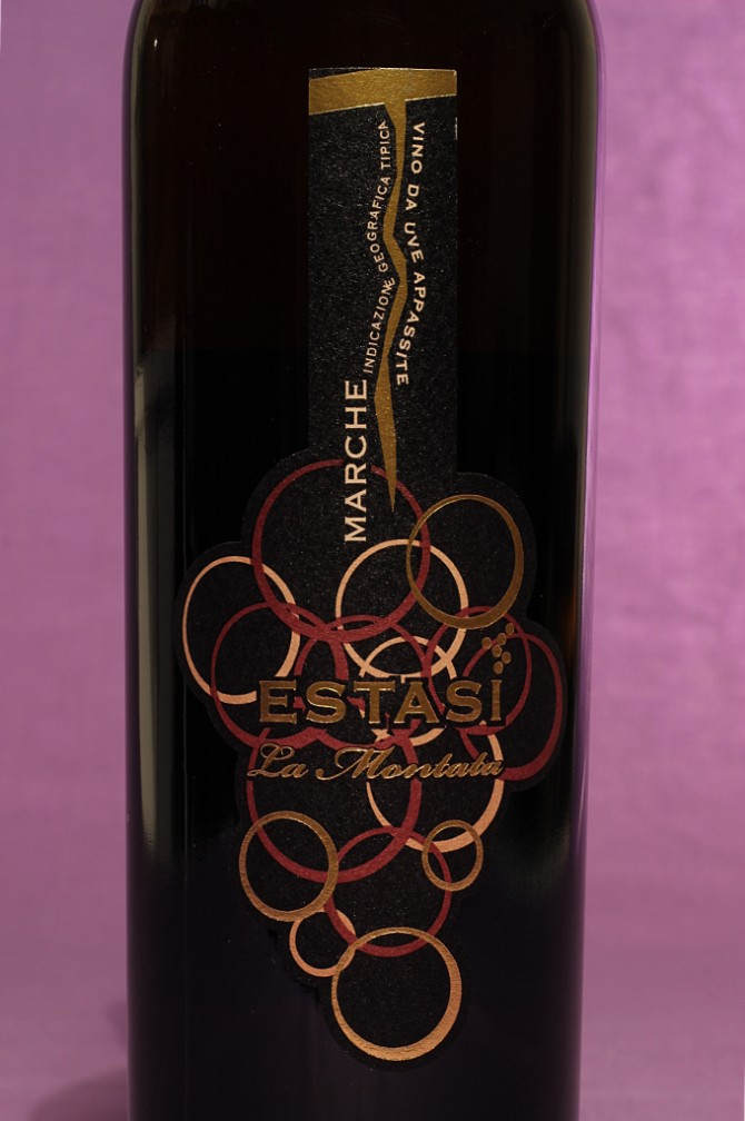 Etichetta del vino estasi da 500ml dell'azienda vinicola La Montata