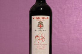 Vino visciola da 500ml dell'azienda vinicola La Montata