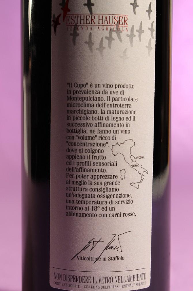etichetta posteriore del vino il cupo 2010 da 750 millilitri dell'azienda agricola Esther Hauser
