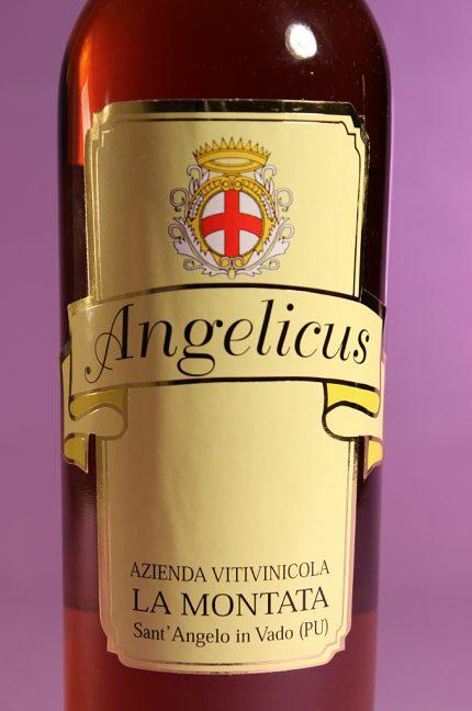 Etichetta del vino passito e affumicato Angelicus dell'azienda agricola La Montata di Sant'Angelo in Vado (PU)