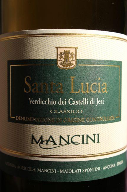 Etichetta del verdicchio Santa Lucia 2014 dell'azienda agricola Mancini Benito di Maiolati Spontini (Ancona)