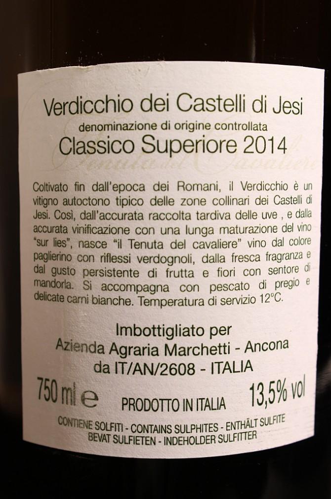 Etichetta posteriore del vino bianco Verdicchoi dei Castelli di Jesi Tenuta del Cavaliere 2014 dell'azienda agricola Marchetti di Pontelungo (Ancona)