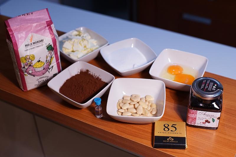 Ingredienti per preparazione Crostata al cioccolato e amarene di Cantiano