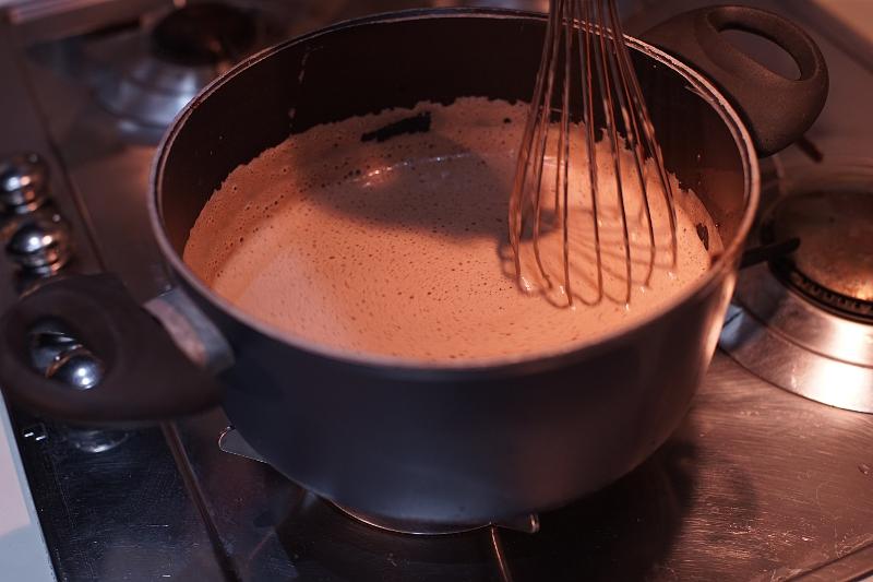 Preparazione frangipane al cioccolato fondente Mencarelli